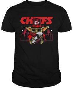 Baby Yoda Hug Super Bowl Chiefs 324297.png